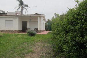 Casa en Los Titanes a 1 del Club Ref. Y197