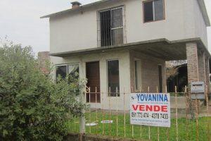 Casa a 2 de playa Cuchilla Alta Ref Y 274
