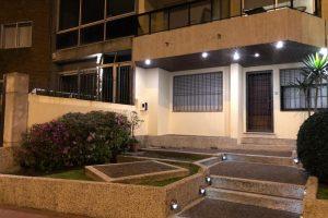 Ref 301 Hermoso apto tipo casa rambla Malvin Montevideo
